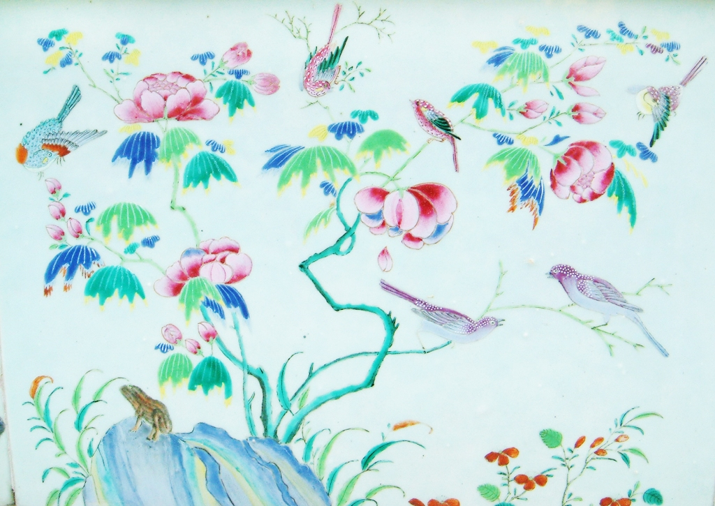 wat phra kaew bird pattern
